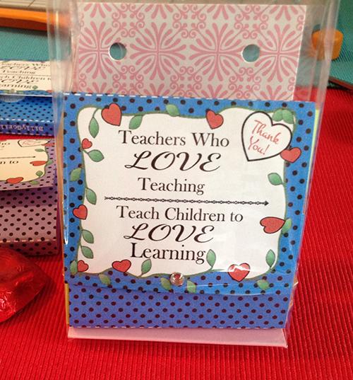 5-Valentine-Teacher-Gift-Sticky-Note-Craft